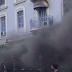 Νεκρή γυναίκα από την ισχυρή έκρηξη σε κατάστημα της πλατείας Βικτωρίας (video)