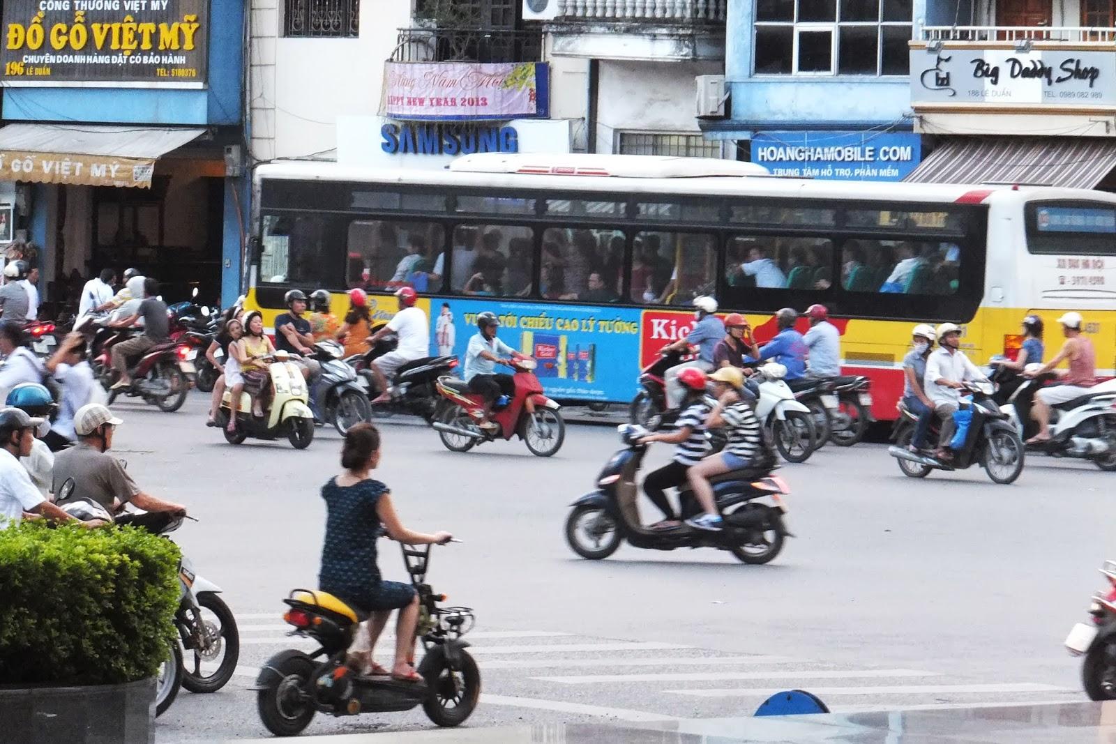 many-bikes バイクの群れ