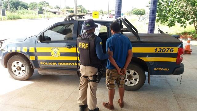 Passageiro de ônibus é preso com mandado de prisão em aberto na BR-010 no Maranhão