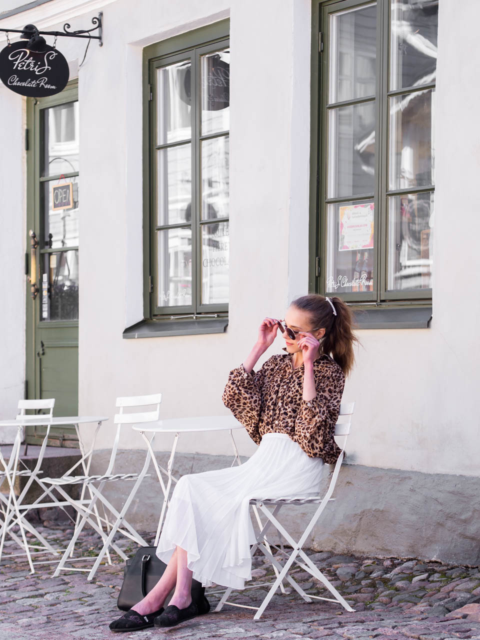 porvoo-cafes-restaurants-shops-fashion-blogger-summer-outfit