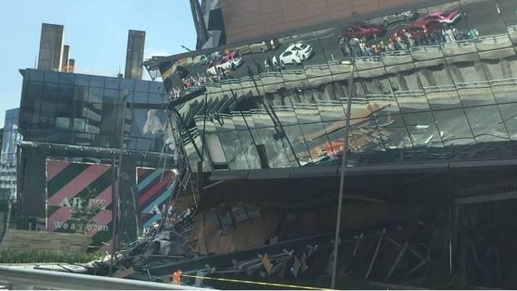 Video: Captan derrumbe en Artz Pedregal, centro comercial inaugurado hace 4 meses.