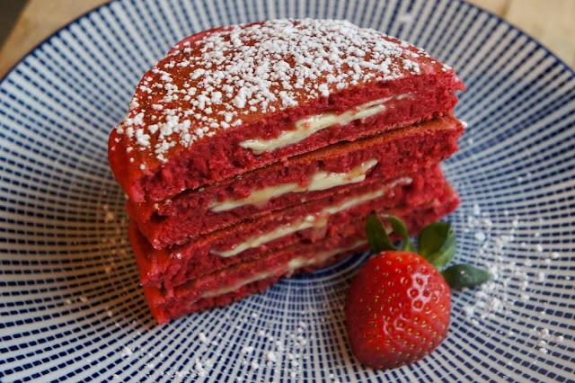 REZEPT: glutenfreie Red Velvet Pancakes