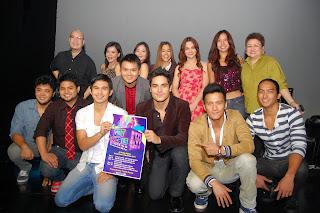 Performers with Freddie Santos