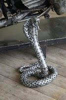 manualidades con chatarra reciclada - cobra