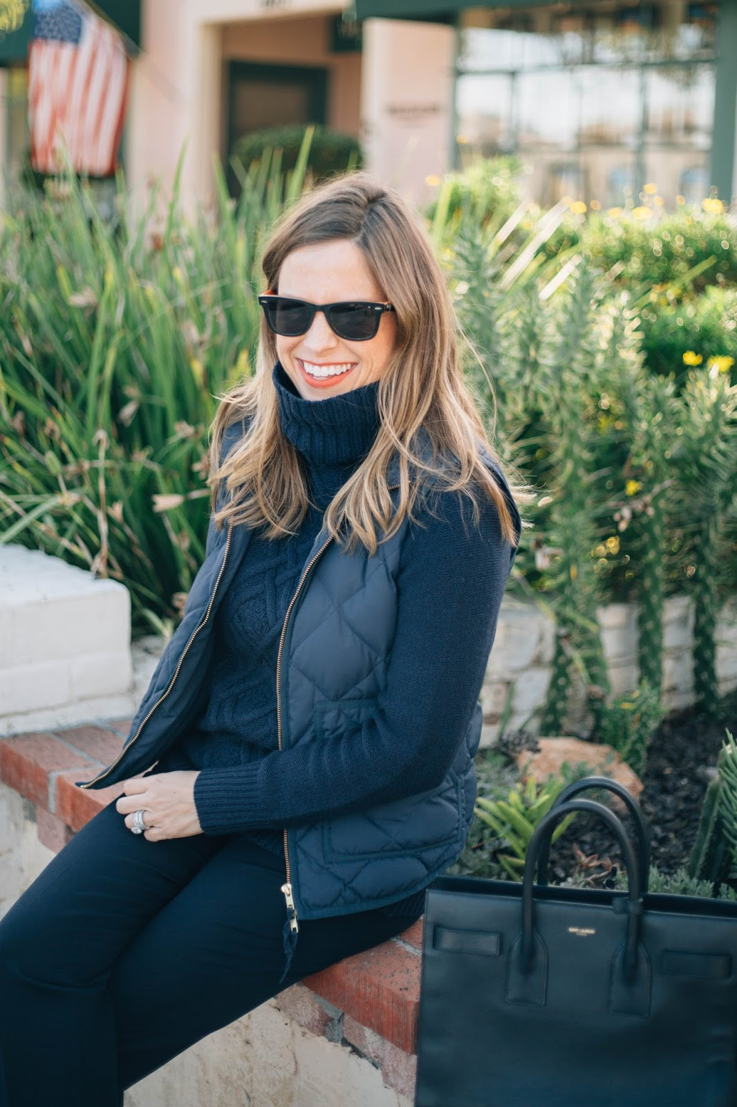 navy blogger outfit