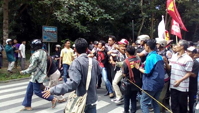 Demo HTI Sambelia Berakhir Bentrok
