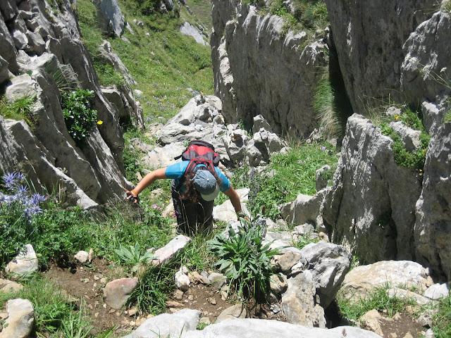 Rutas Montaña Asturias: Subiendo por la Canal de la Misa, camino al Canto Cabronero