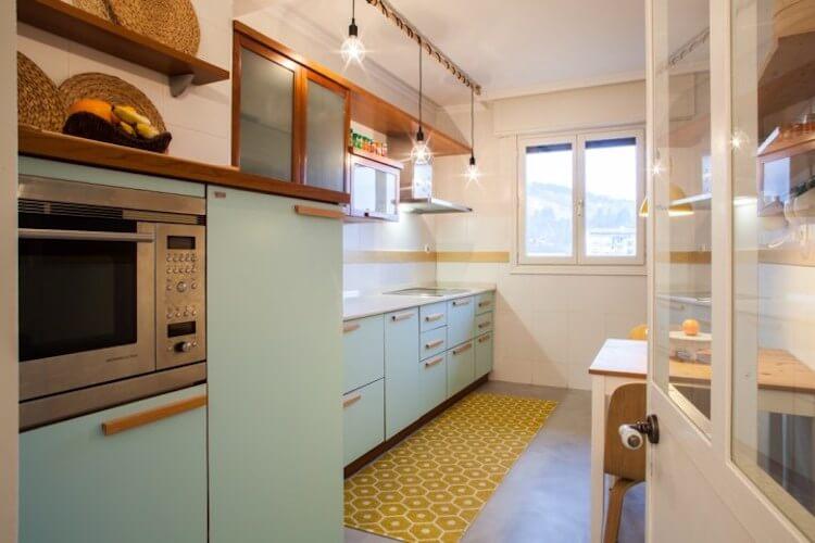 cocina reformada sin obras, pintura de muebles y nuevos tiradores