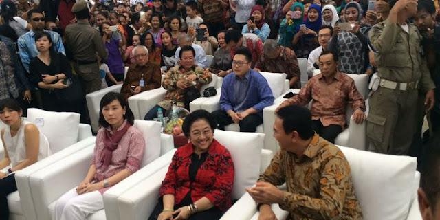Ahok Terlihat Akrab Dengan Megawati Di Kalijodo