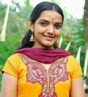 Manjusha Mohandas (star singer fame) dies in a road accident