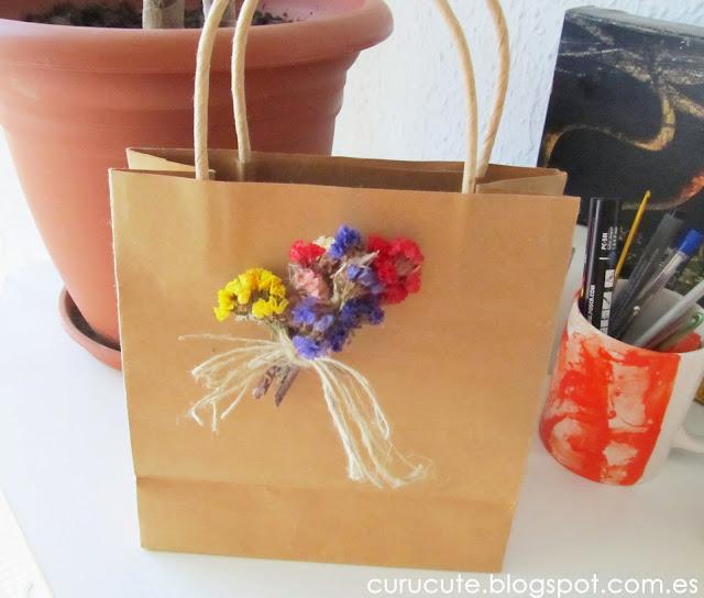 Curucute decorar bolsas de papel con flores - Bolsas para decorar ...