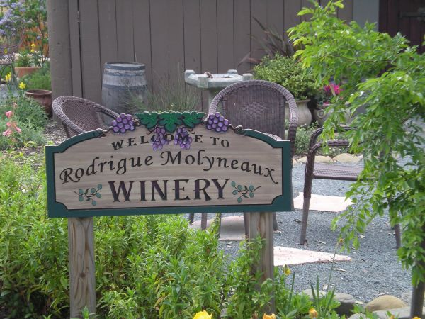 Rodrigue Molyneaux Winery
