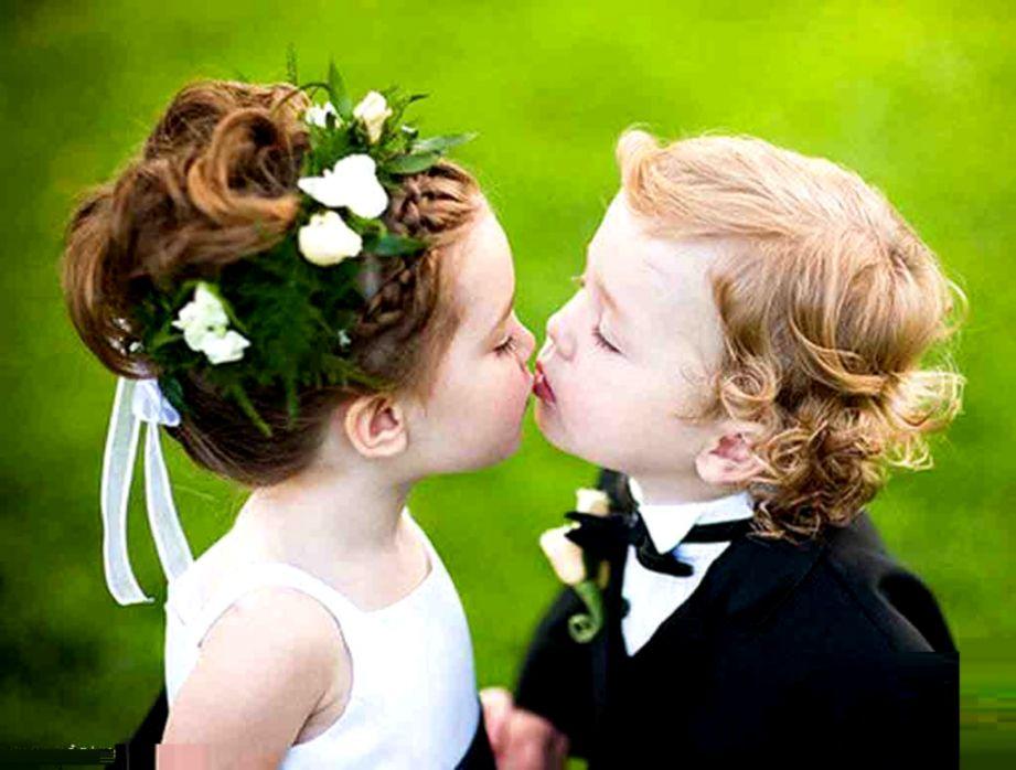 том, картинки целующих малышей удалось отыскать кого-то