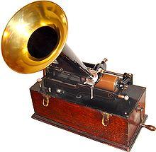 Primer fonografo inventado por el francés Edouard-Leon Scott