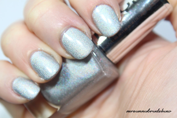 beyu holographic nail lacquer 991 silver illusion mrsannabradshaw. Black Bedroom Furniture Sets. Home Design Ideas