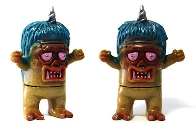 Tenacious Toys Exclusive Uglier Unicorn Gold Sparkle Edition Vinyl Figure by Rampage Toys x Splurrt