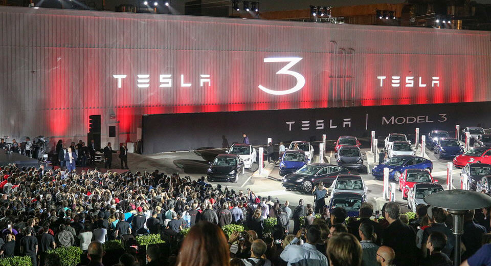 Tesla slapped with labor complaint by UAW