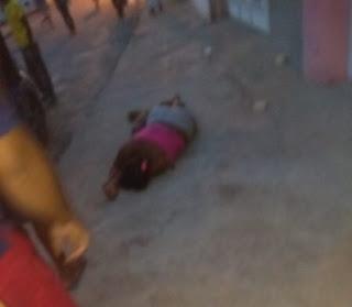 Mulher é morta com vários tiros