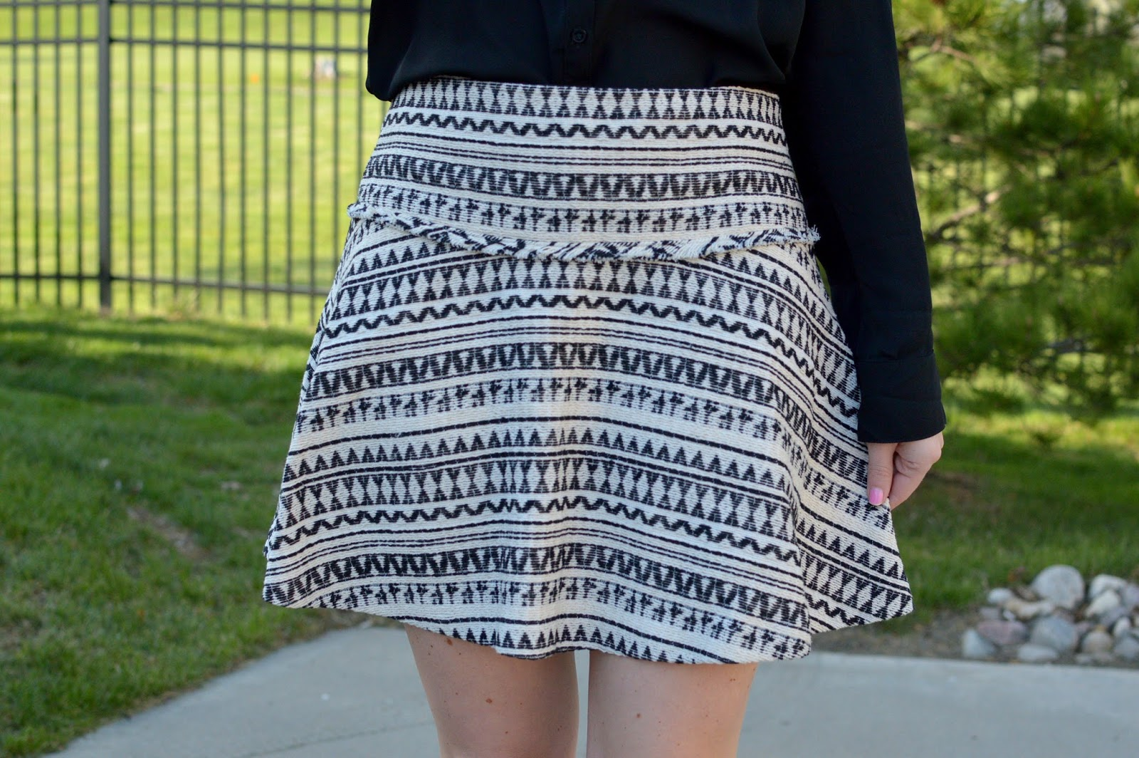 black and white patterned skirt  | a memory of us | spring outfit ideas | patterned skirts for spring