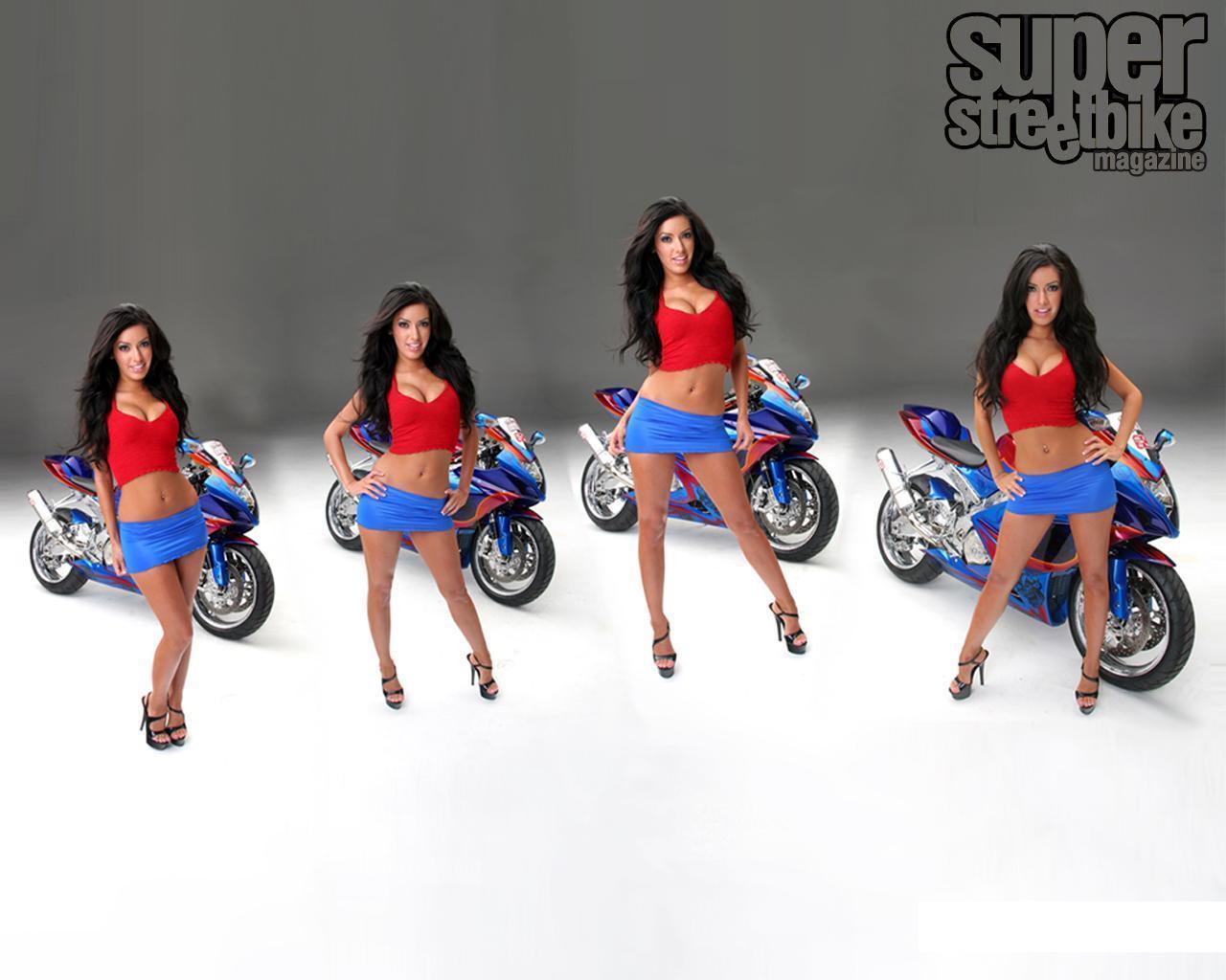 Sexy Babes On Bikes