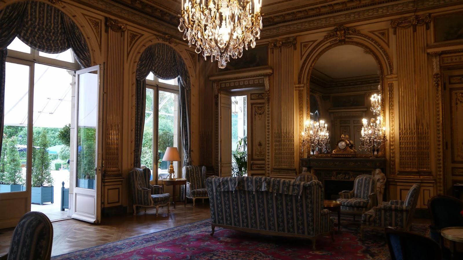 paris day 2 saint chapelle cercle interalli e lux life london a luxury lifestyle blog. Black Bedroom Furniture Sets. Home Design Ideas