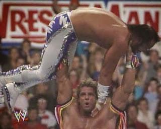 WWF / WWE - Wrestlemania 7: The Ultimate Warrior prepares to press Randy Savage