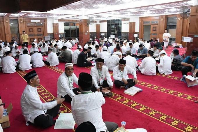 Ratusan ASN Depok Itikaf Khatam Al-quran