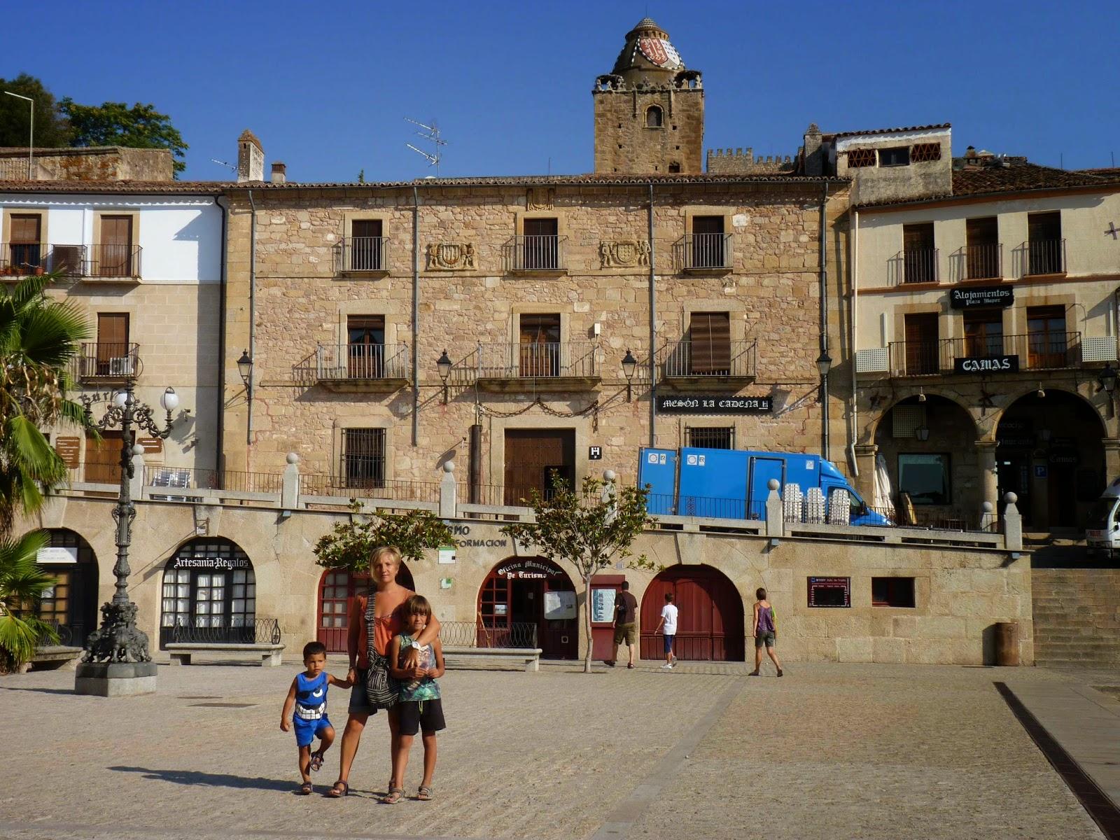 Plaza Mayor de Trujillo, Casa de las Cadenas.