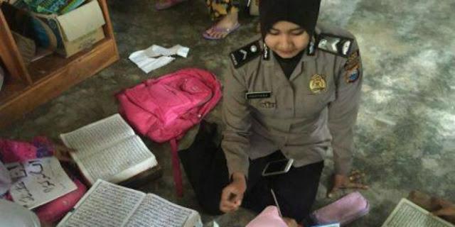 Jadi Polisi Sekaligus Guru Ngaji, Polwan Cantik Ini Bahagia Raih Impiannya