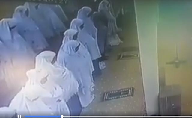 Video Ibu yang Meninggal dalam Ke'adaan Sholat Tarawih