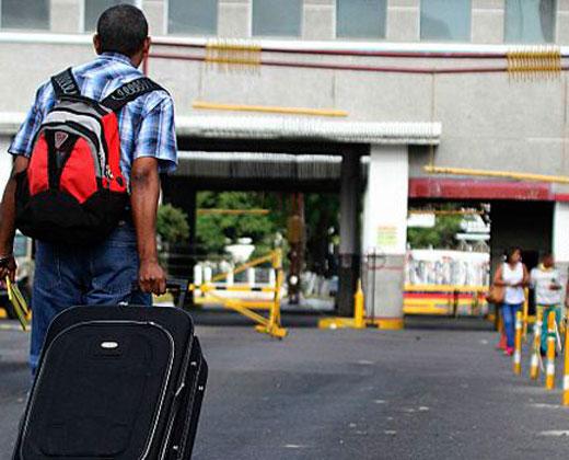 Unas 100 personas llegan cada día a Barranquilla huyendo de crisis venezolana