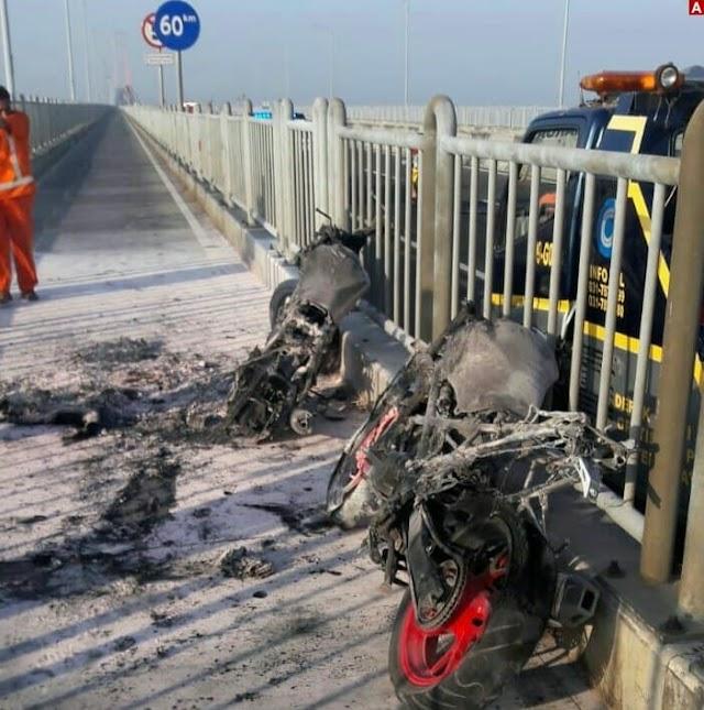 Dua Motor Sport Terbakar di Jembatan Suramadu