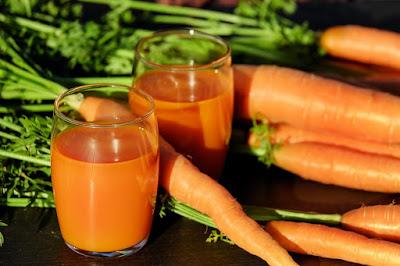 Cette femme a bu un verre de jus de carotte tous les jours. Ce qui est arrivé va vous choquer!