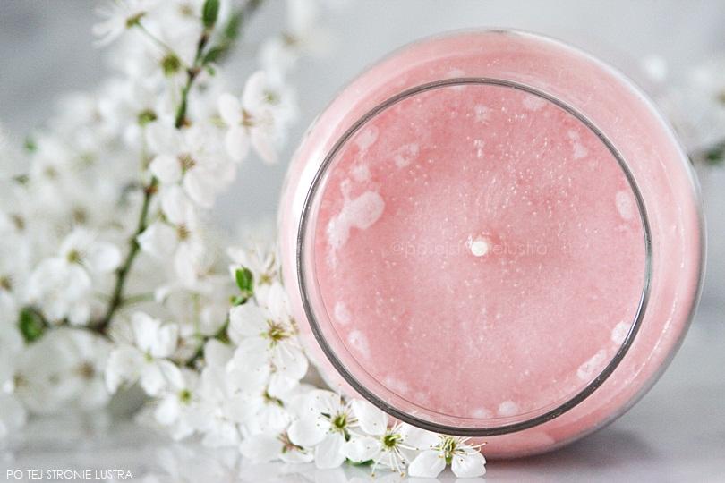 świeca zapachowa yankee candle cherry blossom widok z góry