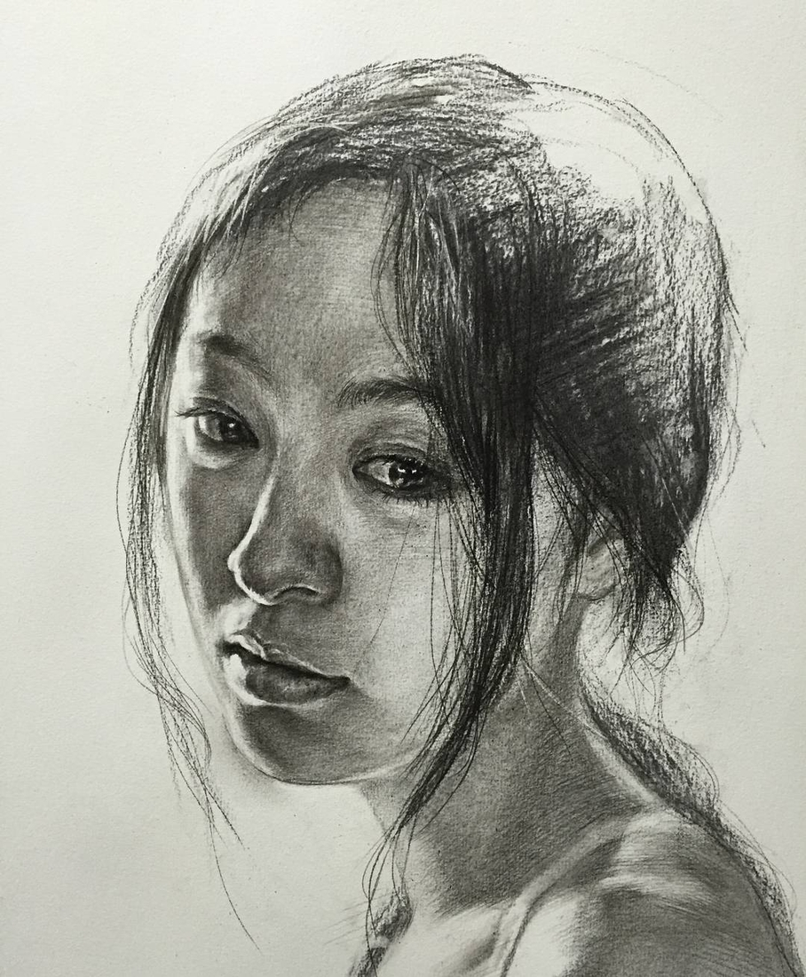 02-Lee-Charcoal-Portraits-full-of-Expressions-and-Emotions-www-designstack-co