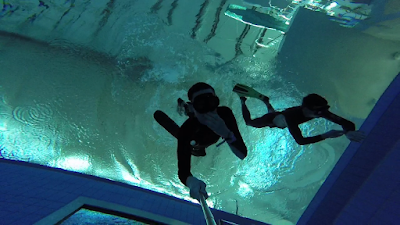 freediving jak wytrzymać dłużej pod wodą