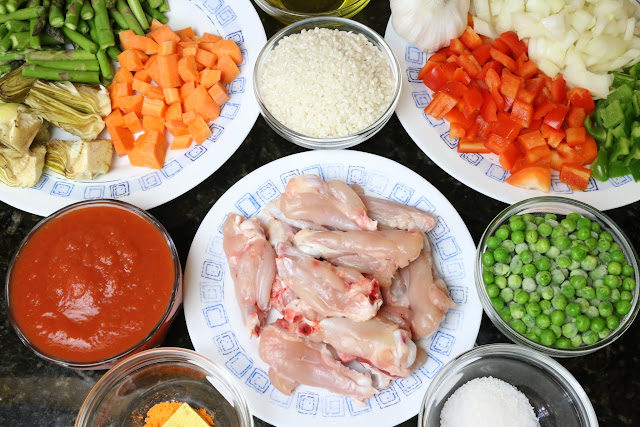 Ingredientes para arroz con pollo y verduras