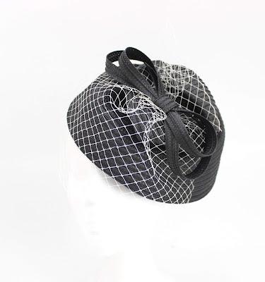 2019 Blanco y Negro 05 Tocado sombrero lazo