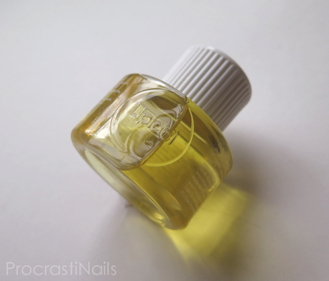 A bottle of Lipidol Overnight Face Oil