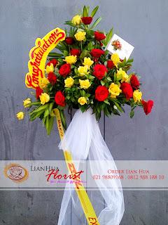 bunga standing flowers, bunga ucapan pernikahan, bunga ucapan selamat & sukses, congratulations flowers, toko bunga jakarta, rangkaian full mawar