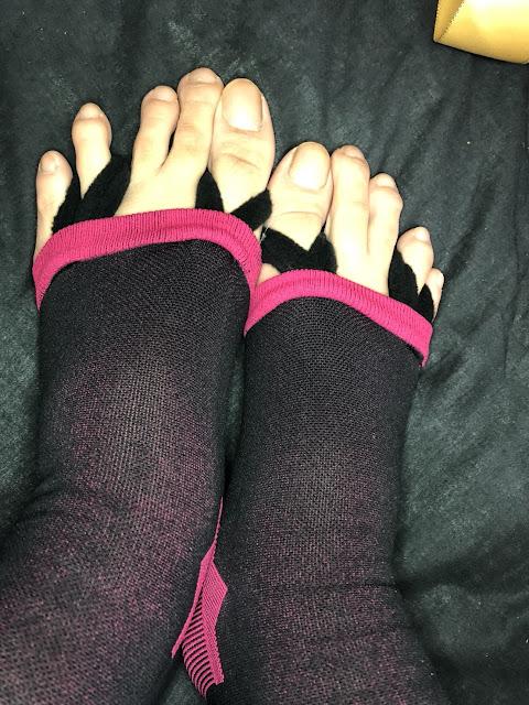 [alovin婭薇恩] 夜寢孅腿鑽型正盤襪 夜間偷偷瘦小腿!