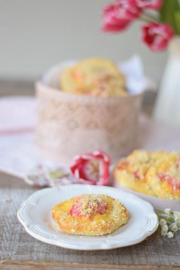 Rhabarber-Pudding-Blümchen