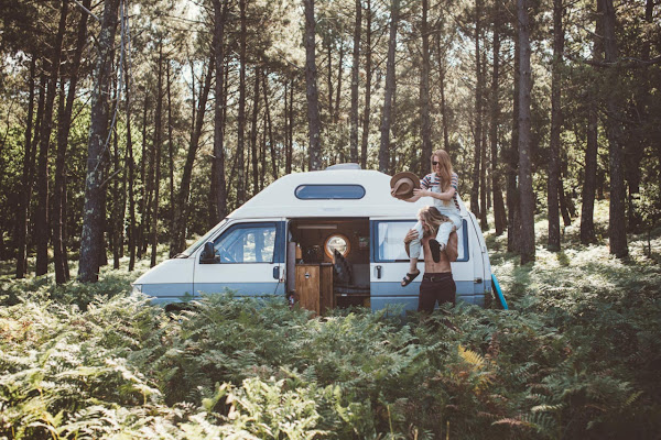 vanlife_couple