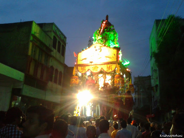 Image: Balaji Rath the front side and devotees