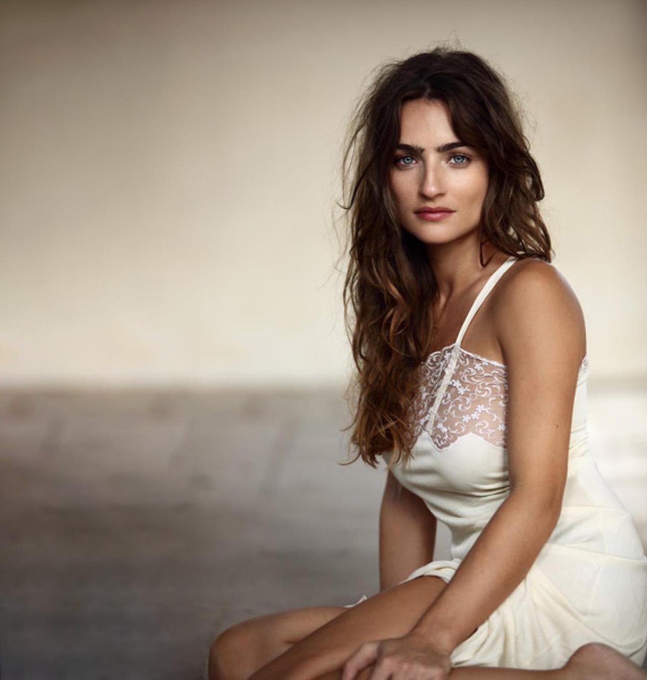 Ania Bukstein Nude Photos 25