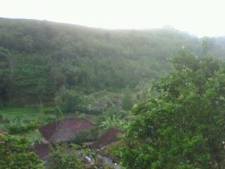 """Image """"Kaki Gunung Salak"""" ( Foto : SP )"""