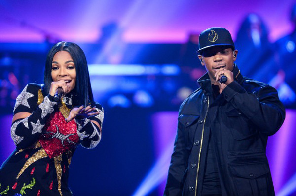 "Ashanti & Ja Rule cantam Helpless"" no Apolo"