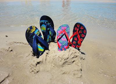 sandal jepit couple