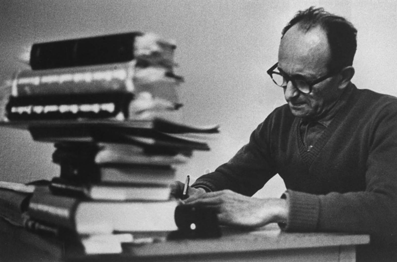 Reading and writing were both permitted, and Eichmann concentrated on books about Nazi regime.