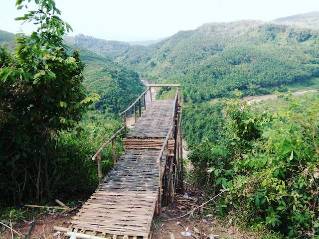 Wisata Jembatan Buntu Sengon Subah
